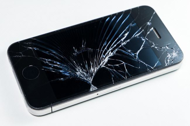 iphone cracked screen how to replace or repair your broken iphone screen 3775